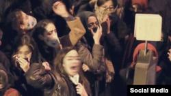 چهارمین روز اعتراضات ایران؛ دانشجویان علیه خامنهای و سپاه شعار دادند